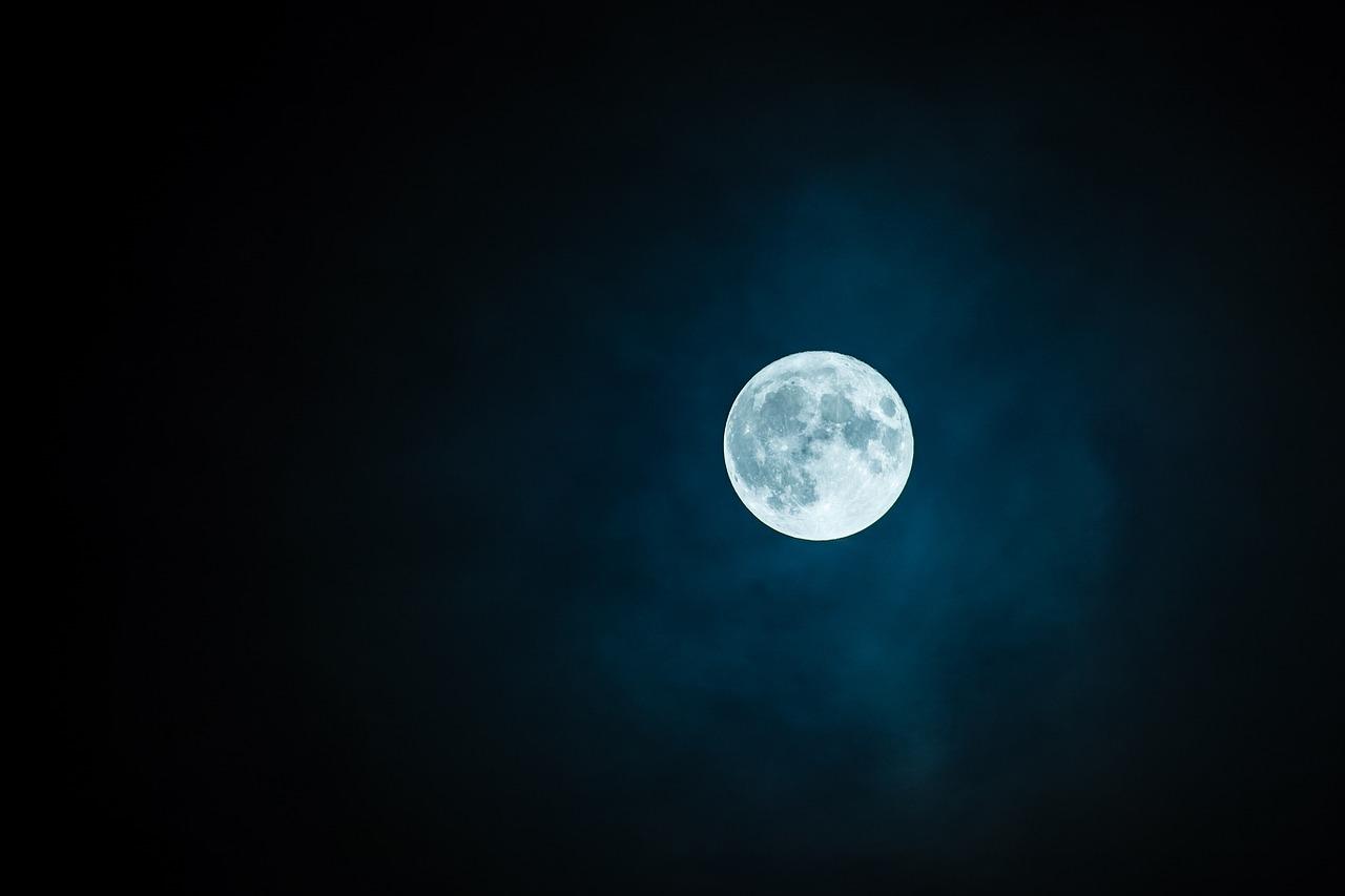 ritz carlton full moon party